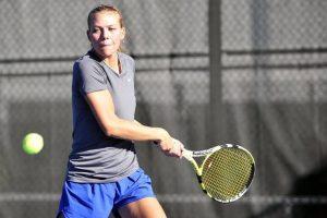 tenis bekhend teniserka